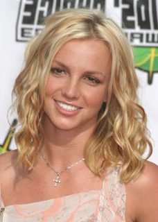 britney-spears-wavy-hair