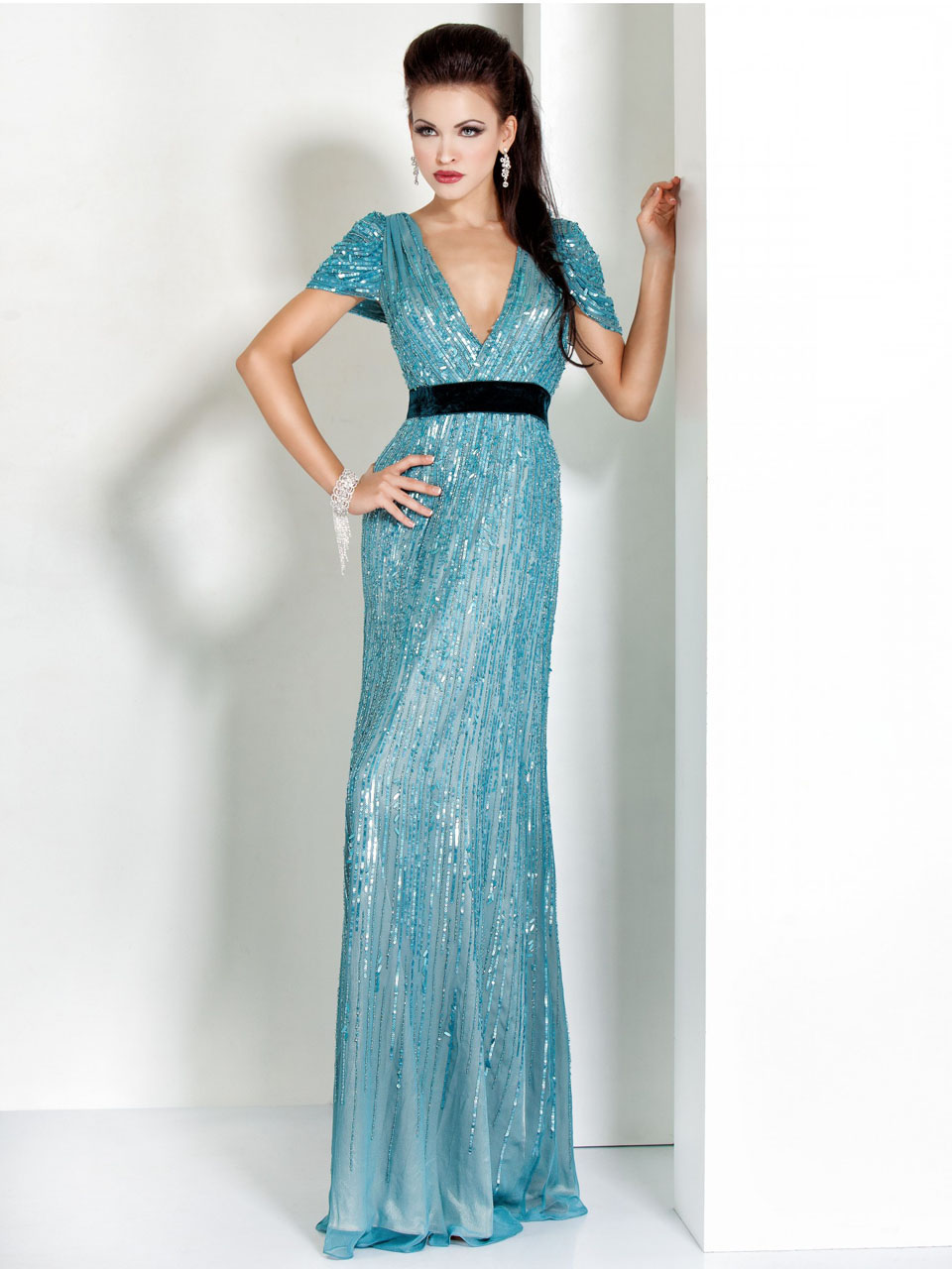 Uzun kısa kollu abiye elbise kıyafet modelleri 2017